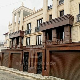 oblicovka-fasada-naturalnym-kamnem