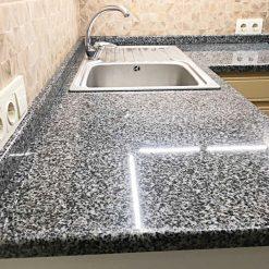 stoleshnitsa-iz-granita-grey-3
